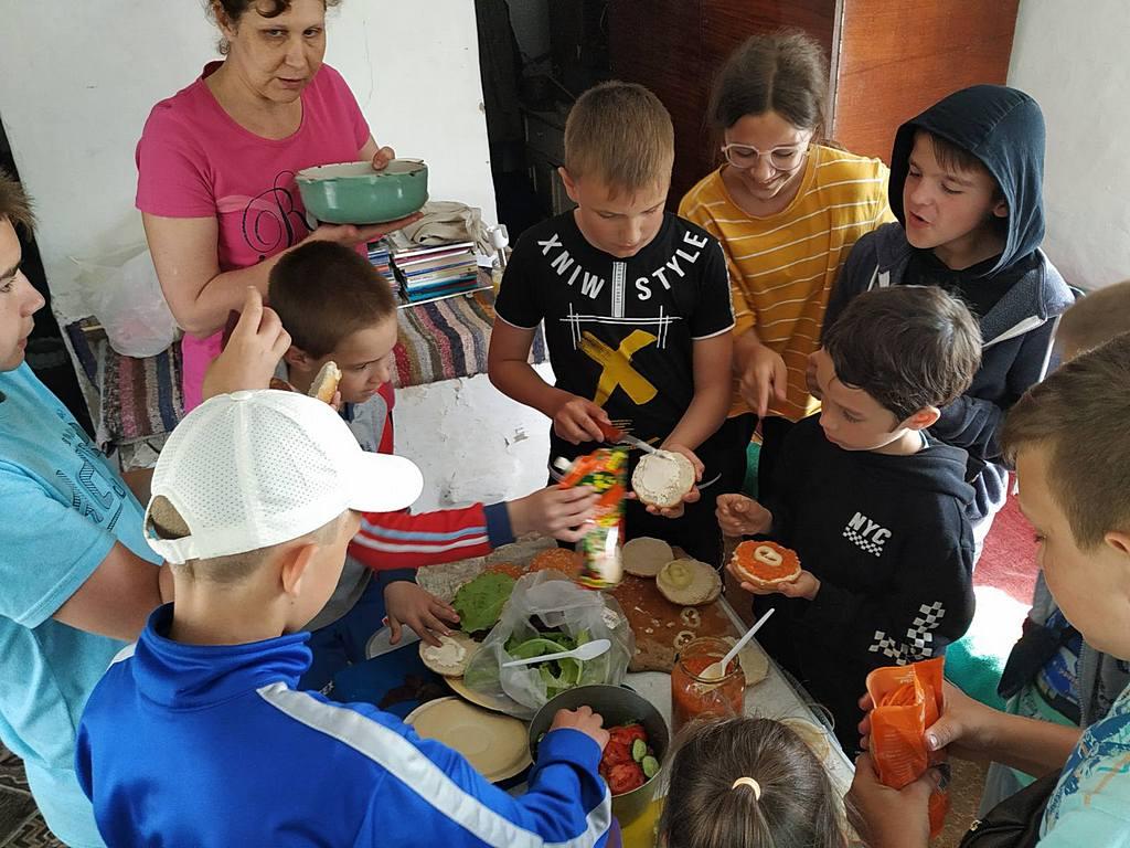 Жители Желтых Вод узнали о секретах здорового питания и познакомились с Библейскими пророчествами