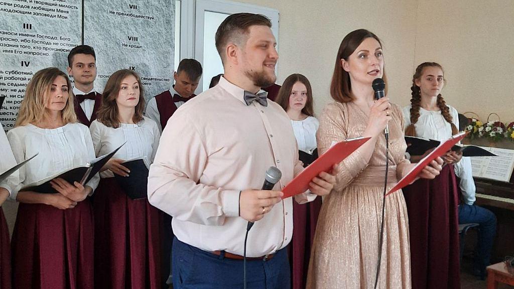 Девятая адвентистская община города Днепр перешагнула двадцатилетний рубеж