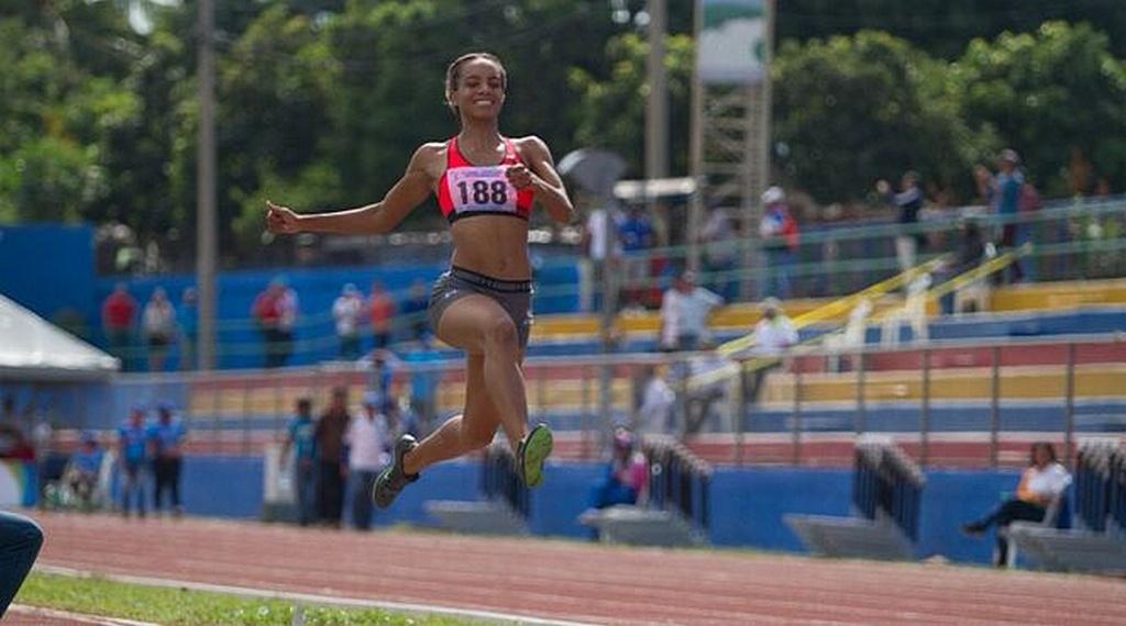 Натали Аранда сейчас в Токио, чтобы представлять Панаму, свою родную страну, в категории прыжков в длину. [ФОТО: TV Max / любезно предоставлено Южно-Американским дивизионом]